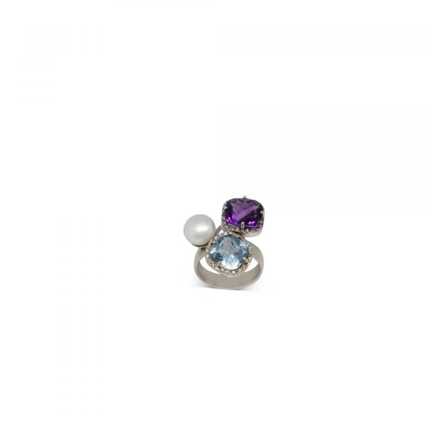 Cristiana Mariani Gioielli - Gioiello 12 - Anello con perla naturale, ametista, topazio azzurro e diamanti G Vs ct.0,31